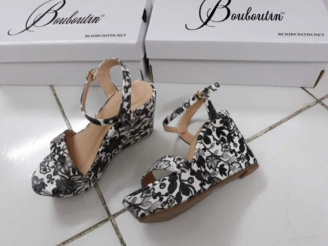 Sandal xuồng hoa 3d