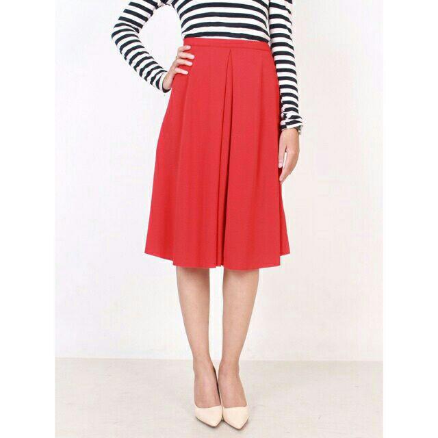 Chân váy chữ A màu đỏ tươi bigsize dưới 63kg. Vnxk