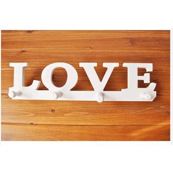 Móc treo gỗ chữ LOVE