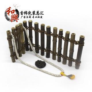 giá gỗ trưng bày mô hình đồ chơi