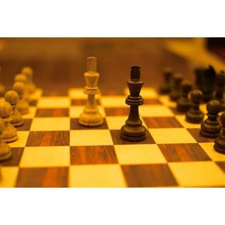 (Giá tốt) bộ cờ vua chuẩn thi đấu – đỏ đen 33cm×33cm