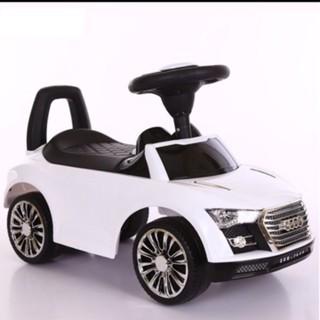 Xe chòi chân hình ô tô cho bé
