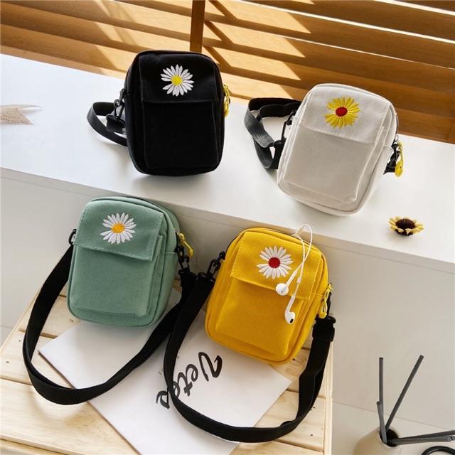 Túi vải nhỏ thêu hoa cúc K2.TV??