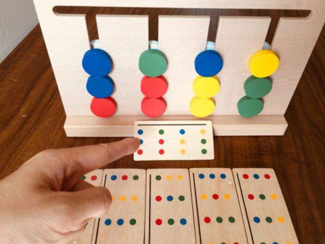 Montessori toán học tư duy chấm tròn