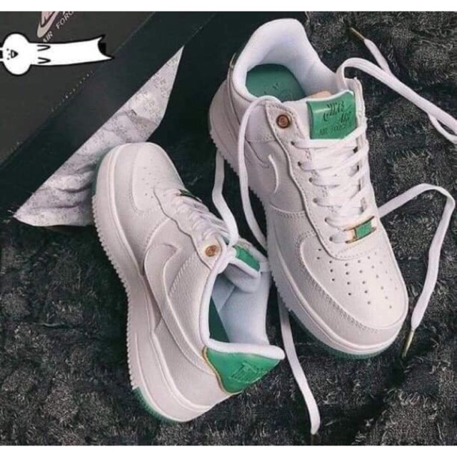 Chỉ 765 000đ Giay Thể Thao Sneaker Air Force 1 Xanh Ngọc Lục Bảo Sz Nam Nữ Full Box Tặng Moc Khoa Gia Rẻ Từ Xasaxa The nike air force shadow was initially designed to be a performance basketball shoe, to be worn on hardcourt and with features to help athletes grab air and improve movement. thao sneaker air force 1