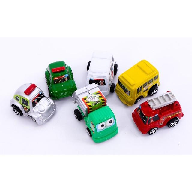 6 ô tô nhựa sắc màu cho bé yêu thỏa sức chơi đùa