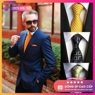 Cà vạt nam cao cấp bản 8cm – Cavat nam bản lớn, caravat công sở màu vàng chấm bi trẻ trung, thanh lịch – 1993 Store