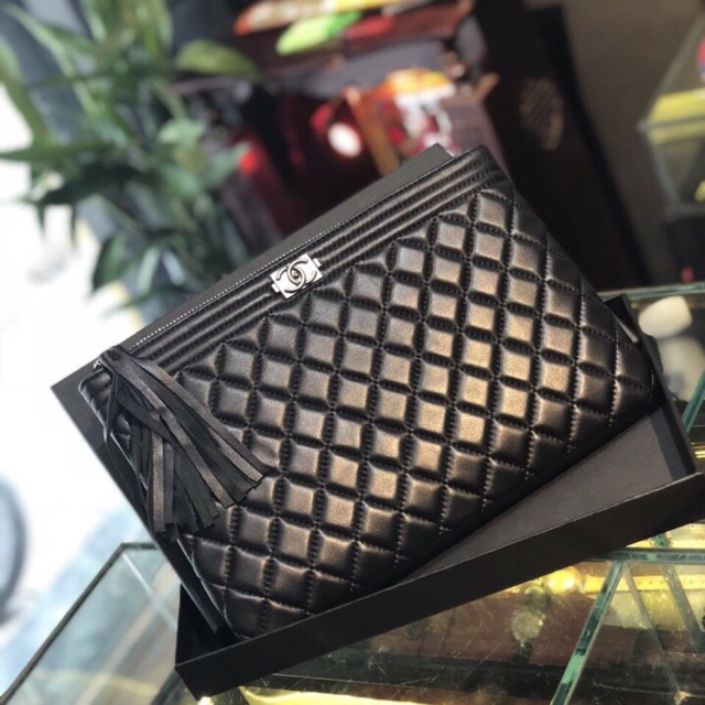 Túi clutch chanal ssl size 26 da thật - 15454158 , 1307226782 , 322_1307226782 , 830000 , Tui-clutch-chanal-ssl-size-26-da-that-322_1307226782 , shopee.vn , Túi clutch chanal ssl size 26 da thật