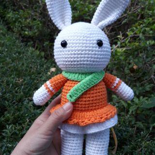 Thỏ len móc tay
