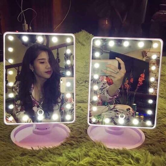 Gương trang điểm có đèn led tặng 5 móc dính siêu chắc | GIÁ HỦY DIỆT