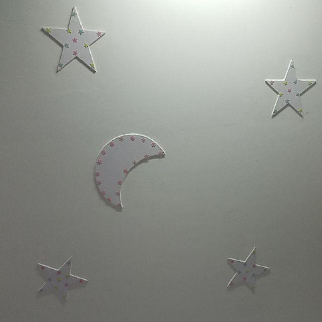 4 ngôi sao + một mặt trăng ,trần thạch cao