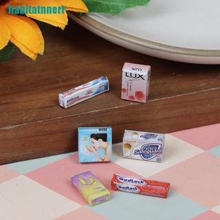 Hộp Đựng Bàn Chải Và Kem Đánh Răng Mini Cho Nhà Búp Bê