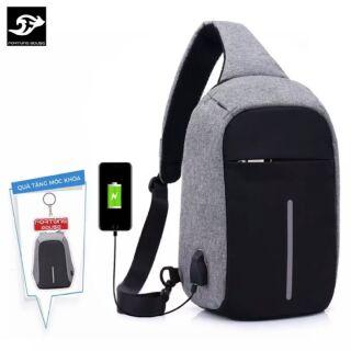 Túi đeo chéo phiên bản chống trộm CỔNG SẠC USB vừa IPAD C203 (Màu ghi) + tặng 1 móc khoá
