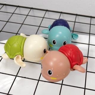 Rùa vặn cót – đồ chơi nhà tắm cho bé