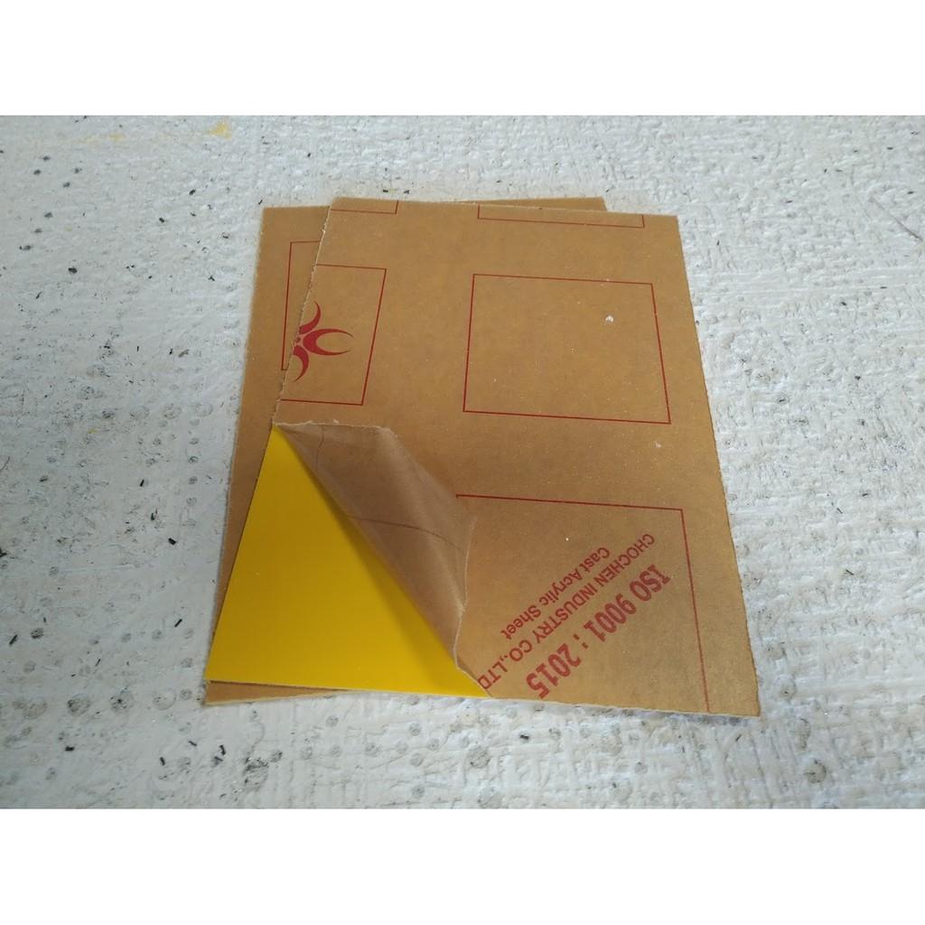 Combo 2 tấm nhựa mica acrylic cứng màu vàng (mica Đài Loan) dày 2mm khổ A4 (rộng 20cm x dài 30cm)