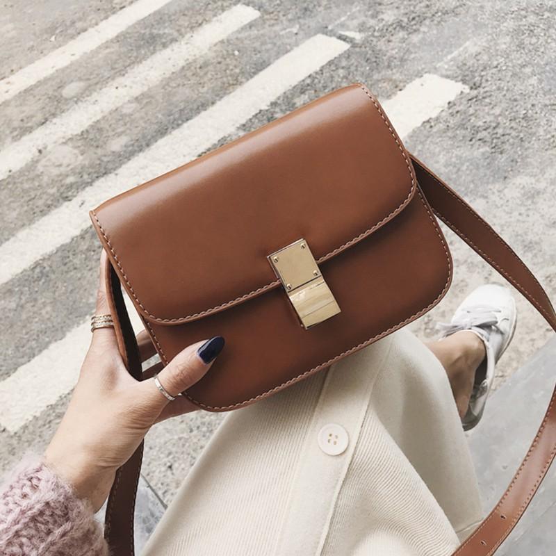 กใหม่เวอร์ชั่นเกาหลีของแฟชั่นเต้าหู้ป่า Messenger หนึ่งไหล่ล็อคกระเป๋าสี่เหลี่ยม