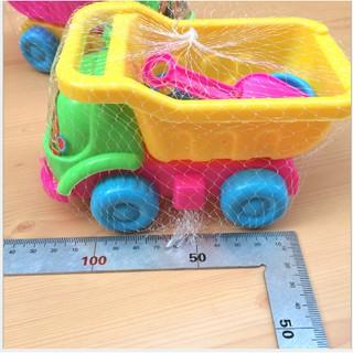 Bộ đồ chơi xe xúc cát của bé