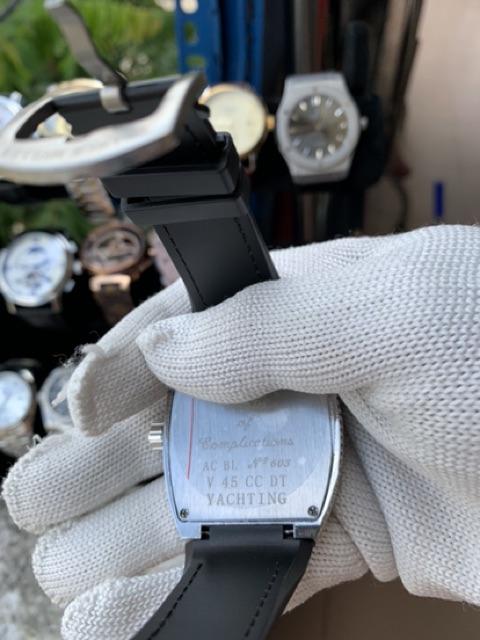 Đồng hồ FM đính đá dành cho Nam