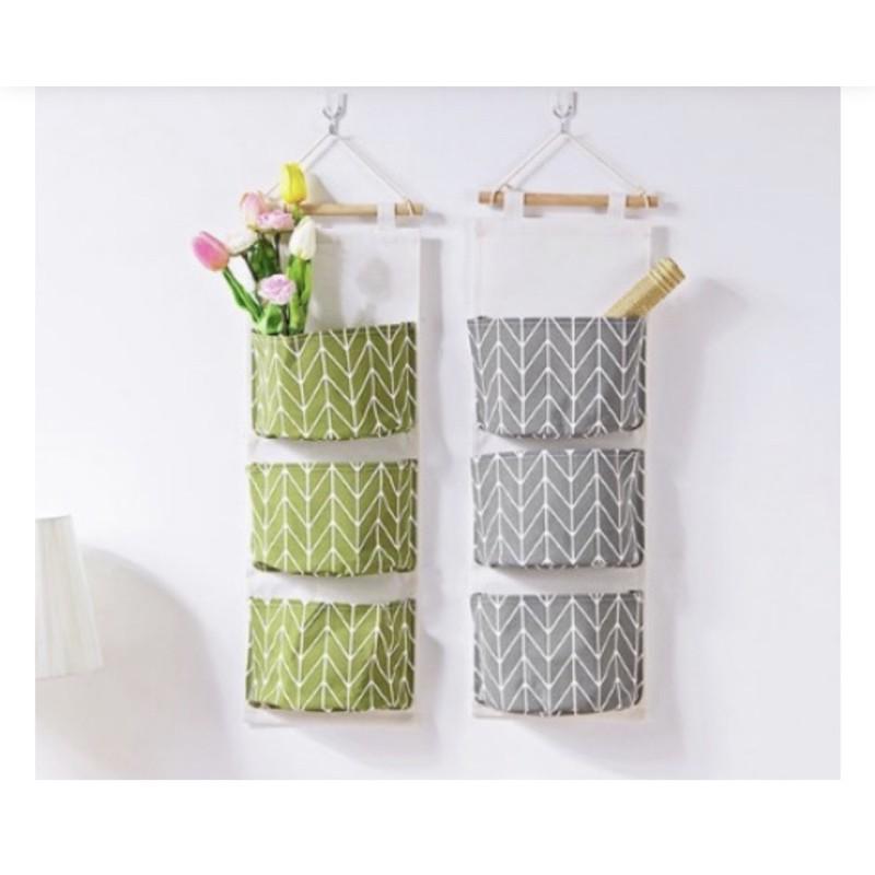 Túi vải đựng đồ treo tường tiện ích 3 ngăn.