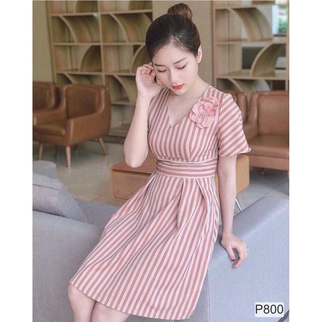 ⚡️[Sỉ Lẻ] Váy kẻ hồng cổ V đính hoa | SaleOff247