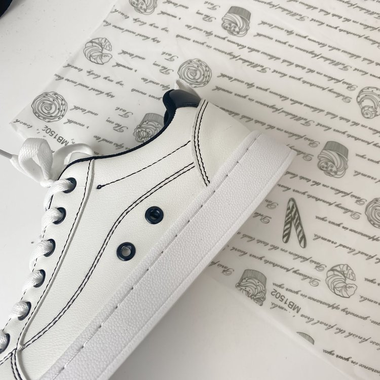 Giày Sneaker Nữ Mũi Tròn Dây Đan Chéo Thoải Mái