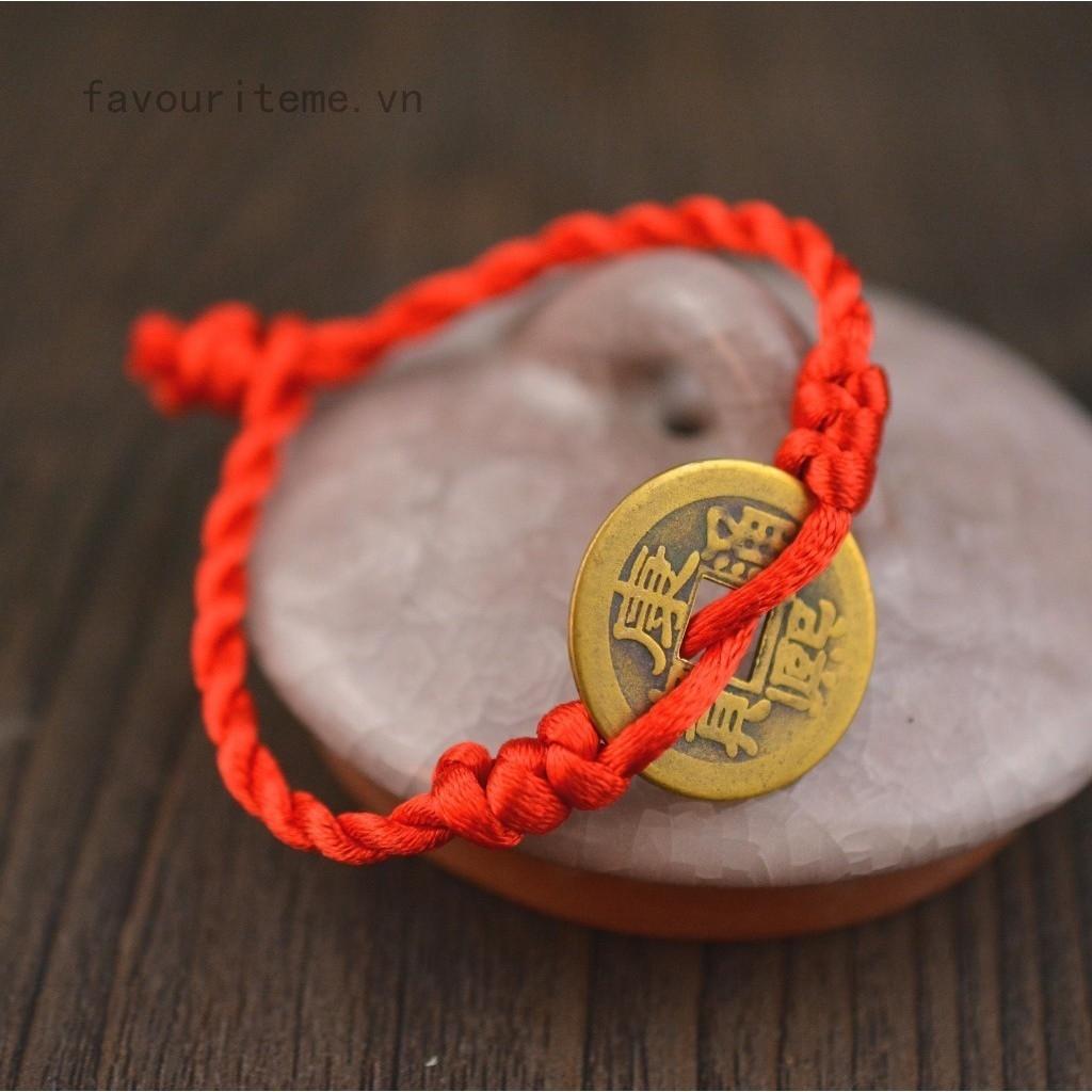 favouriteme Vòng tay dây bện đỏ thiết kế mặt 3 đồng tiền mang lại may mắn
