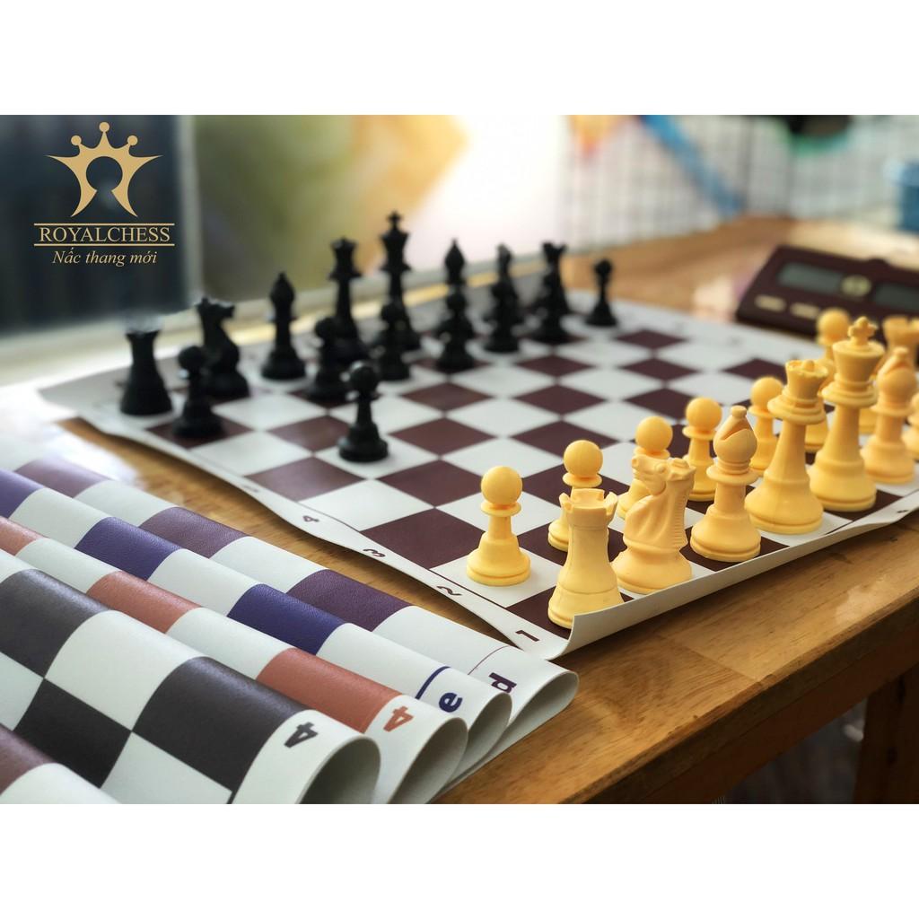 Bộ cờ vua tiêu chuẩn thi đấu YB – Bàn simili nhiều màu có thể chọn ROYALCHESS bàn 40cmx41cm