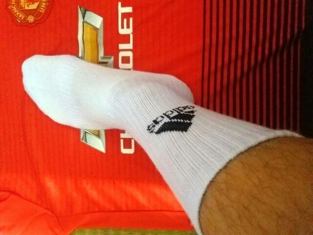 Combo 04 đôi tất Adidas cao cổ.