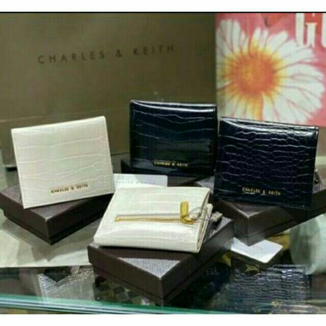 [Hàng sẵn] Ví CHARLES & KEITH FULL TAG, FULL BOX ĐỦ 3 MÀU ĐEN, TRẮNG, HỒNG NÂU