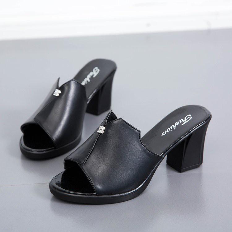 【จัดส่งฟรี】หม่สวมใส่หนากับส้นรองเท้าแตะปากปลาป่าผู้หญิงรองเท้าส้นสูงและรองเท้าแตะ