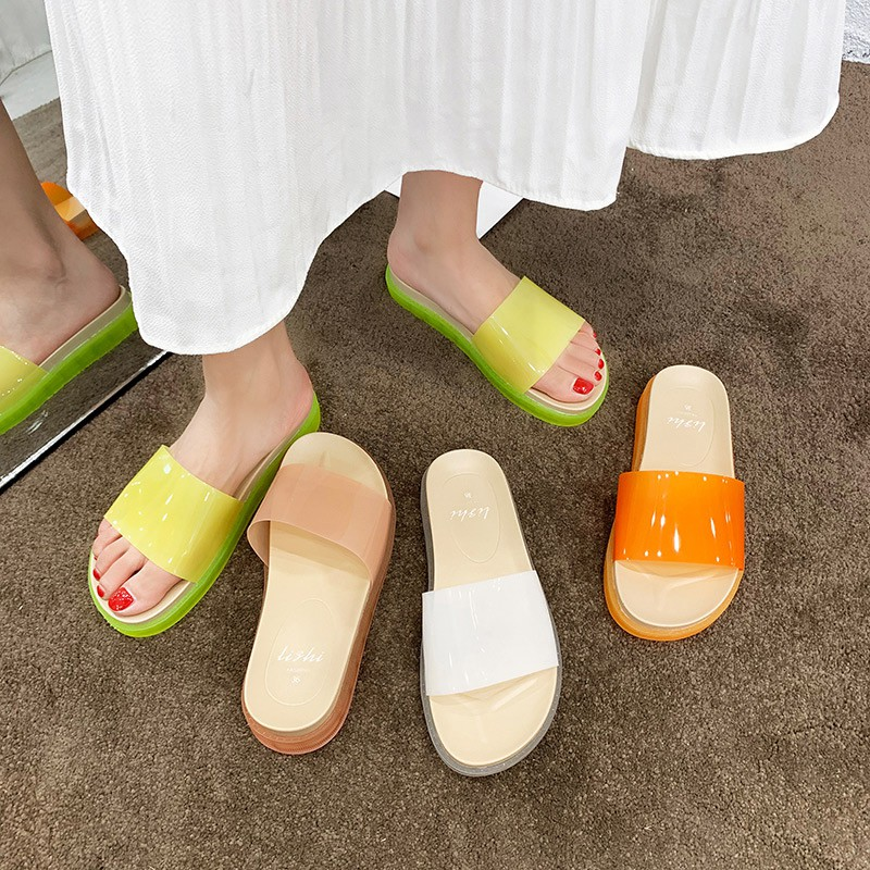 Slippers female summer wear 2019 new Korean version of the thick-soled transparent transparent word drag students wild s