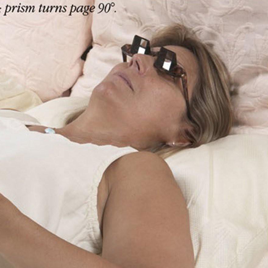 Mắt kính lăng kính ngang dùng cho người lười đọc sách xem phim khi đang nằm