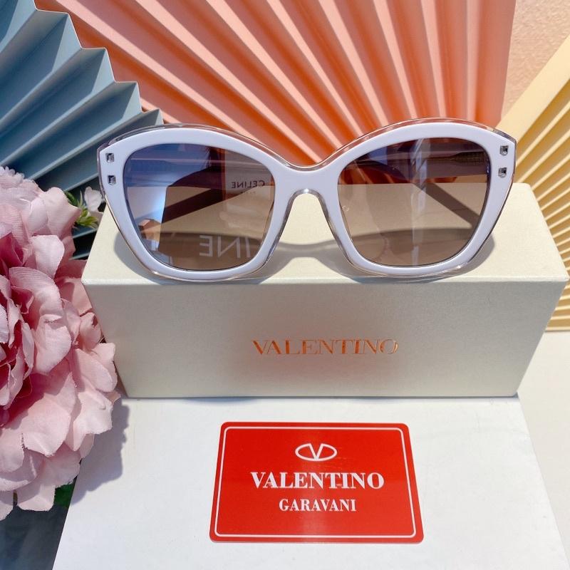 kính mát Valentino
