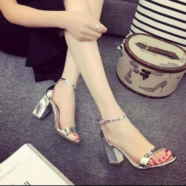 Giày cao gót bảng ngang bạc 7p