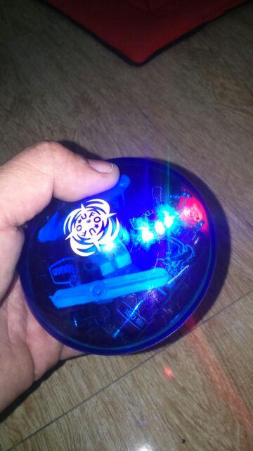 Con quay UPO có nhạc và đèn Led tặng kèm pin