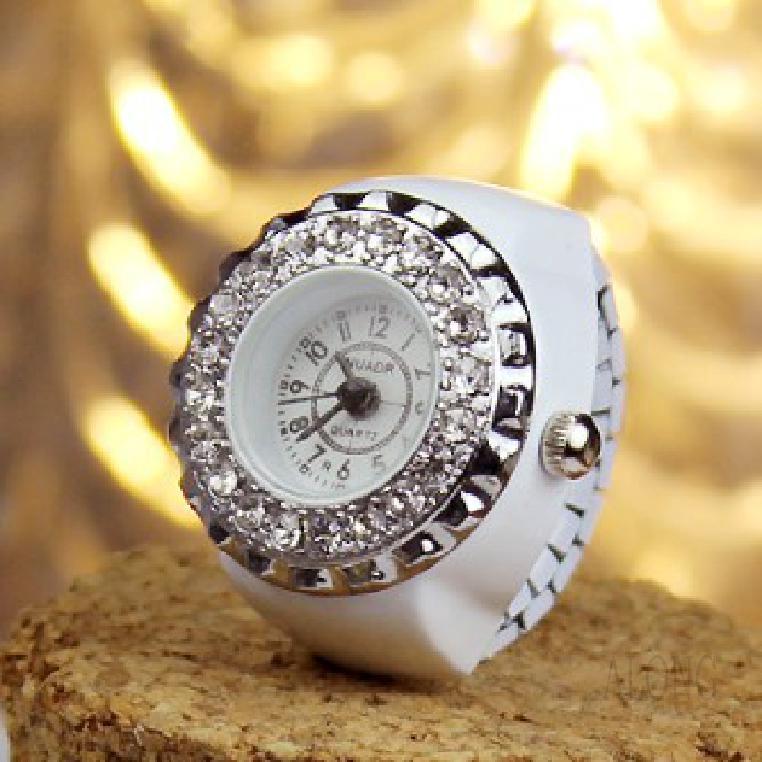 Đồng hồ nữ mặt tròn dây kim loại kiểu dáng sang trọng