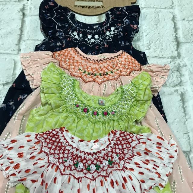 Đầm smock bé gái