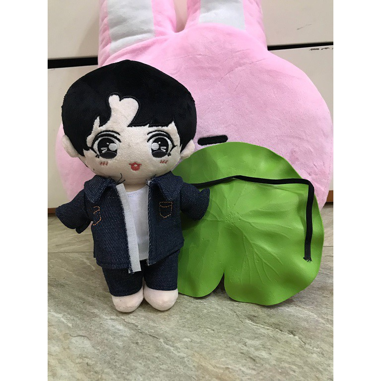 Doll Jungkook Kèm Outfit Jeans
