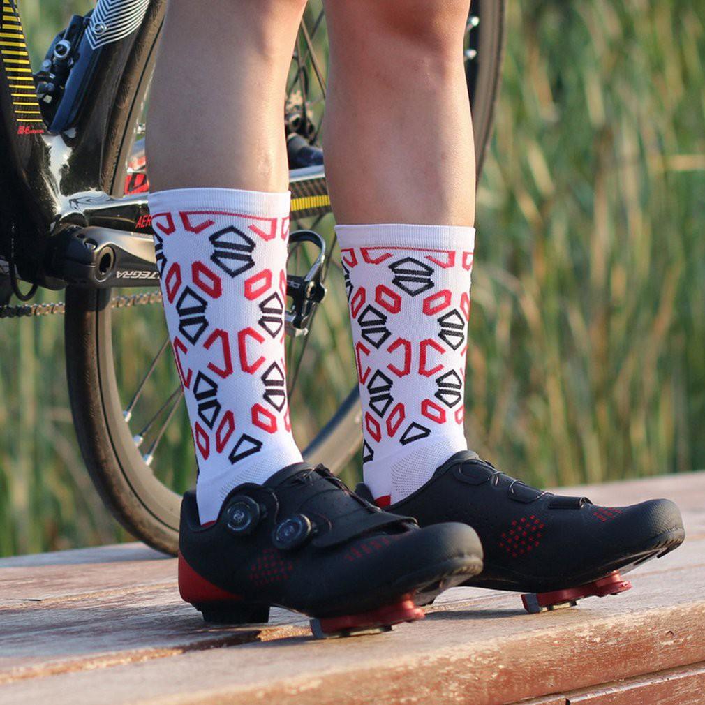 2019 Fashion Sports Cycling Socks Breathable Compression Road Bicycle Socks Men Basketball Running Training Sport Socks