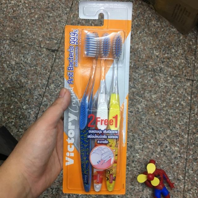 Bàn chải đánh răng Victory Anti Bateria Thái lan mua 2 tặng 1 - 3518589 , 1091626026 , 322_1091626026 , 55000 , Ban-chai-danh-rang-Victory-Anti-Bateria-Thai-lan-mua-2-tang-1-322_1091626026 , shopee.vn , Bàn chải đánh răng Victory Anti Bateria Thái lan mua 2 tặng 1