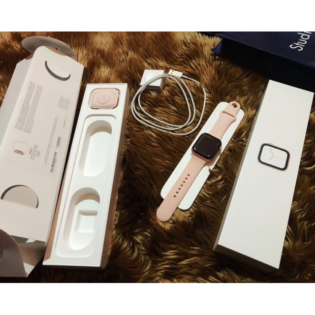 Apple Watch Aluminum Series 4 44mm ใส่ซิมได้ ราคานี้คุ้มมากๆ สภาพมือ1 ประกันเหลือยาว