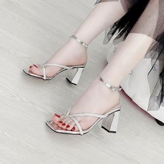 [Mã FASHIONRNK giảm 10K đơn 50K] Giày Sandal Dép cao gót 5p gót trụ xỏ ngón chữ V đính hạt mẫu mới 3 màu siêu xinh thumbnail