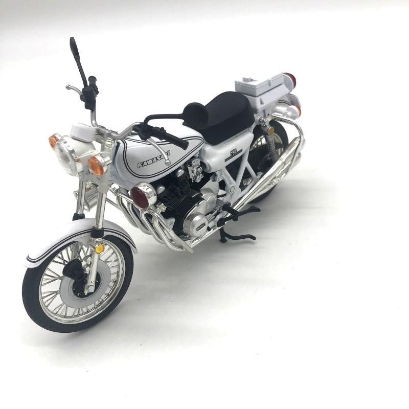 Mô Hình Xe Cảnh Sát Kawasaki 750 Tỉ Lệ 1: 12