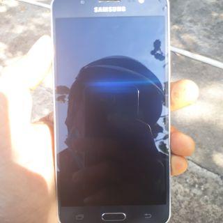 Samsung galaxy J5_2016 New zin 100% full phụ kiện.