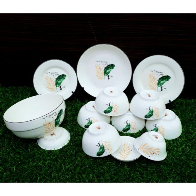Bộ bát đĩa lá xanh gồm 12 sản phẩm (6 bát cơm ,1 đĩa16cm,1 đĩa18cm,1 đĩa20cm,1 bát tô18cm ,1 bát mắm và 1 đĩa muối)