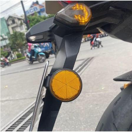 Mắt mèo phản quang gắn bát biển xe máy ( giá 1 cặp)