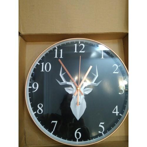 Đồng hồ treo tường kim trôi họa tiết sang trọng