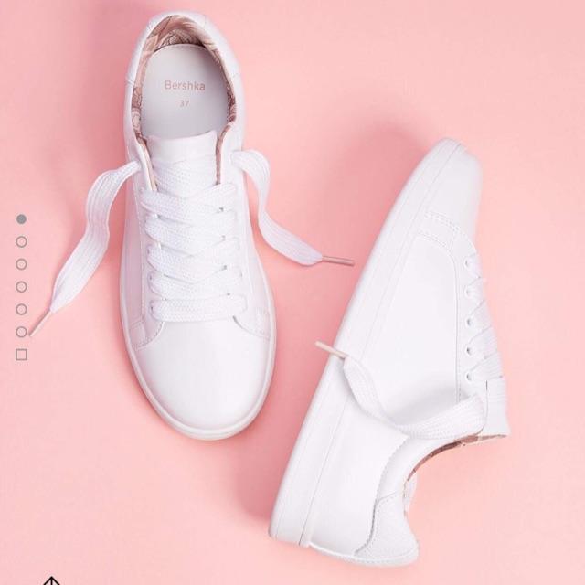 Giày bershka trắng - 2684488 , 1221007676 , 322_1221007676 , 830000 , Giay-bershka-trang-322_1221007676 , shopee.vn , Giày bershka trắng