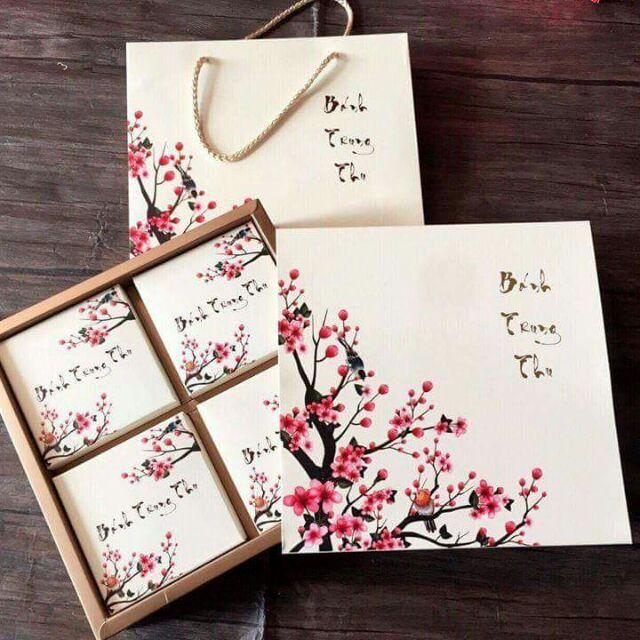Hộp 4 bánh hoa đào
