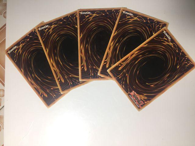Thẻ bài Yugioh TCG combo theo set ngẫu nhiên.